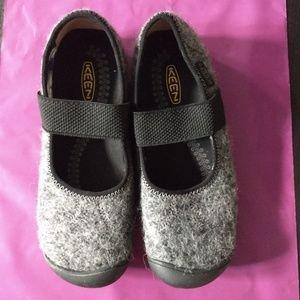 Keen Mary Jane gray wool flats. 6.5.NWOB.